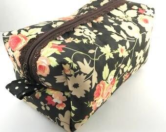 Brown Floral Lace Zipper Boxy Zipper Bag