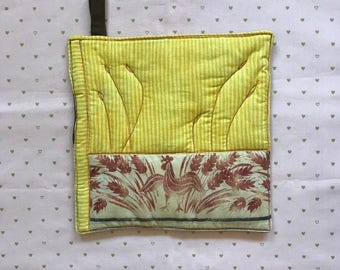 Kitchen Pot Holder, Quilted and Embroidered Home Decor, Rooster
