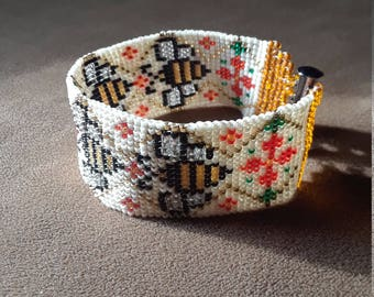 Bees and Flowers Hand Woven Miyuki Delica Seed Bracelet