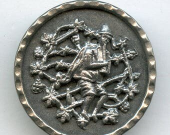 """Victorian Metal Picture Button """"The Piper"""" Large 1 1/4"""" Pictorial Musician 4630"""