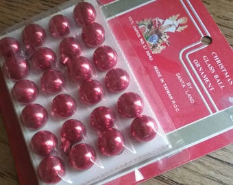 Vintage Santa Land Ornaments - 15mm Red Christmas Ornaments in Original Packaging