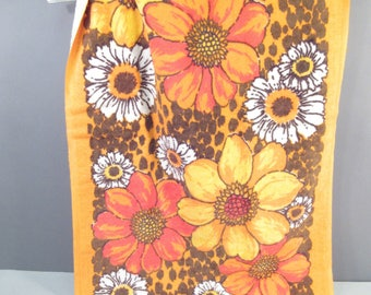 Vintage hand towel, like new 1970s hand towel, orange and yellow flowers, flower power, floral, kitchen towel, bath towel, sunflowers