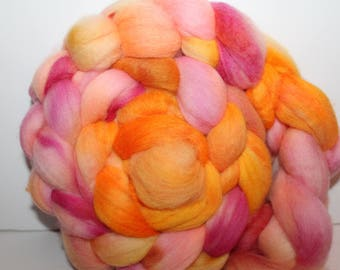 Kettle Dyed Merino Wool Top. Super fine. 19 micron  Soft and easy to spin. 4oz  Braid. Spin. Felt. Roving. M266