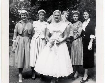 Vintage photo 1950s Young Beauty Bride Wedding Dress Women Square Snapshot