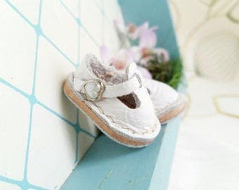 Mini White Leather T-Strap Shoes For Azone Pure Neemo M Size And Pukifee Lati Yellow Neo Blythe Doll Hand Made By MizuSGarden