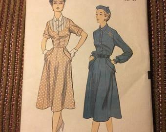 Vintage Advance Dress Pattern 5853 Size 12
