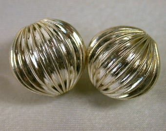 Vintage SILVER Plated RIBBED Beads 14mm FOCAL pkg 2 m44