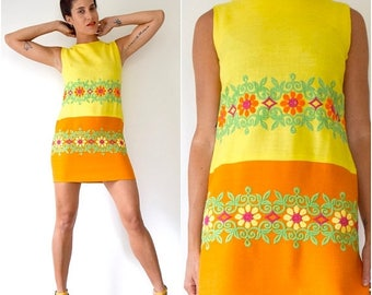 SUMMER SALE / 20% off Vintage 60s 70s Yellow and Orange Floral Embroidered Linen Shift Dress (size small, medium)