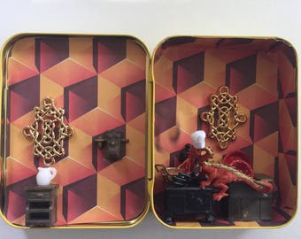 Miniature Mystery box The Dragons Lair Restaurant Bar and Grill one of a kind Tiny scene in tea tin
