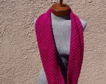 Fuchsia hand knitted scarf with sparkles, knitted infinity scarf, circle scarf, scarf with sparkles, long fuchsia scarf, woman, gift, winter