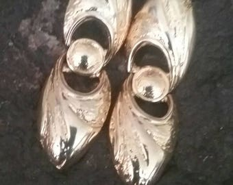Gold Earrings, Gold Dangle Earrings, Fashion Earrings, Gold Fashion Earrings, 80's Earrings, Pierced Earrings, Pierced Fashion Earrings