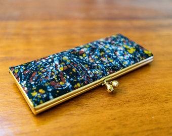 vintage batik wallet // kisslock purse