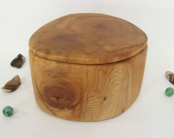 Pacific Yew Tree Trunk Box, small cremation urn, valet box, wooden jewelry box, 5th wedding anniversary, retirement gift, heartwood