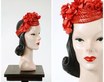 Vintage 1940s Hat - Fantastic Red Straw 40s Tilt Hat with Crown of Flowers