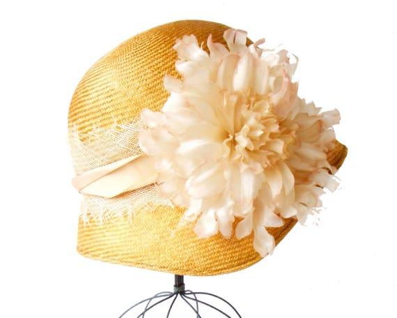 Straw Cloche Hat Women's Hat Flapper Hat 1920s Style Great Gatsby Hat Cloche Straw Hat 1930 Style Summer Hat Spring Hat Dress Hat Silkflower