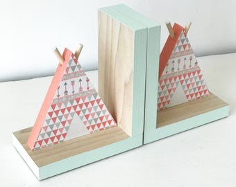TeePee Bookends, Coral and Mint, Tribal Nursery Decor, Coral and Mint Arrow, Aztec Kids Decor, Tribal Nursery, Aztec Nursery Girl, Southwest