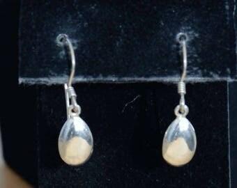 ON SALE Pretty Vintage Sterling Silver Teardrop Dangle Pierced Earrings (AE5)