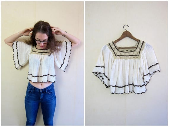 1970s Cotton Gauze Blouse Butterfly Sleeves 70s Natural White Crop Top Crochet Boho Hippie MN Vintage Flutter Angel Sleeves Womens XS Small