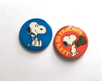 Vintage Snoopy Dog from Charlie Brown Pins Copywrite 1958 United Feature Syndicates, Pin-Back Snoopy Button