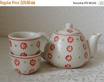 christmasinjuly Small Teapot and 2 Cups,Cheery Orange Motifs
