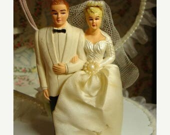 ONSALE Vintage Wedding/ Black-Tie Fancy Kitsch Cake Topper for the Romantic Sweetheart Valentine