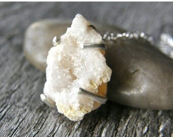 Summer Sale 20% Off Druzy Necklace, Petite Drusy Pendant Necklace, Geode Silver Necklace, Cream White Druzy