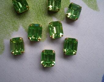 Vintage Emerald Green Rectangular Rhinestones in Gold Tone Setting Quantity 4