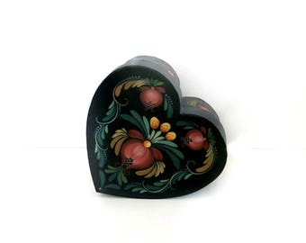Heart Shaped Painted Box Rosemaling Vintage 1980s 90s Handpainted Fiberboard LIghtweight
