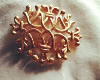 vintage Anne Klein Fleur De Lis brooch satin or mate Gold tone signed AK Pin