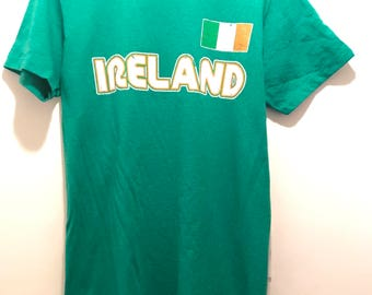 Green Ireland T-Shirt, Irish Flag Vintage Top Souvenir Eire St. Patrick's Day Commemorative Small Tee Shirt