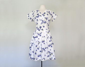 CORNFLOWER // white 50s day dress with blue flowers