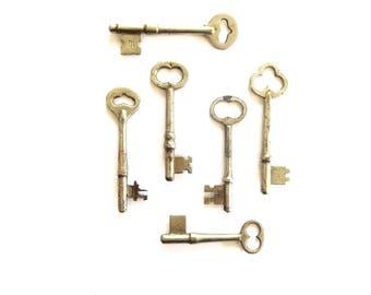 6 Vintage skeleton keys Rustic early skeleton keys Antique keys Skelton keys Nice old keys Original skeleton keys Old keys bit keys #10A