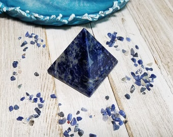 Sodalite Gemstone Pyramid - Stone for Communication Power