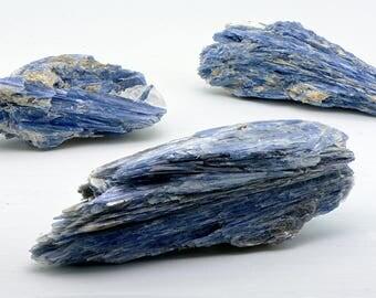 Kyanite Gemstone - Gemstone for Honest Expression