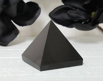 Obsidian Pyramid - Stone to Clear Negativity