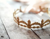 Gold crown headpiece, medieval wedding tiara, bridal halo, gold wedding hair piece, royal headpiece, golden circlet, wedding hair accesory