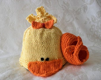 Hand Knitted Baby Duck Baby HAT and MATCHING BOOTIES Set Baby Beanie Knitted baby hat Knitting Newborn Baby Hat Knitted Rubber Ducky
