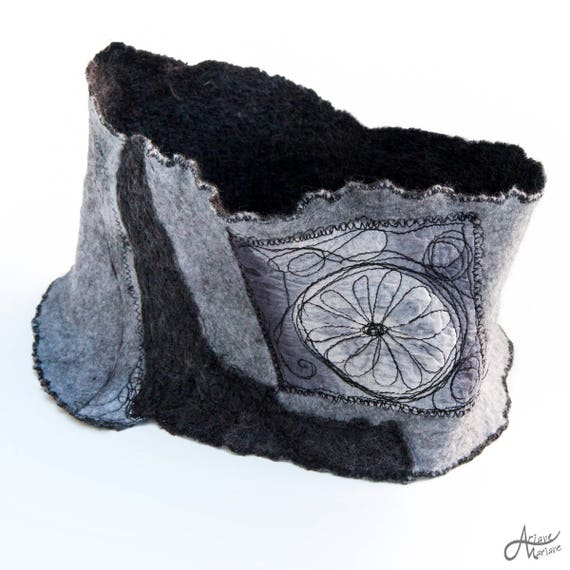 Woman scarves - Felted merino wool infinty scarf- Gray Shades Neck Accessories- Piece unique - Paris designer scarf