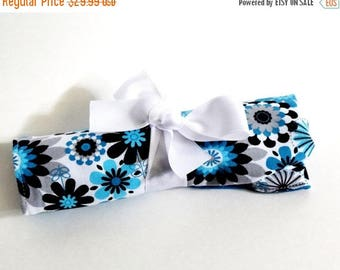 ON SALE Medium Crochet Hook Holder - Cyan, Teal and Gray Flowers 3 Blue