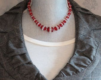 Vintage Art Deco 1920s to 1930s Faceted and Graduated Red and Clear Beaded Glass Necklace