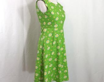 Vintage 1990s Mod Green Daisy Floral Dress XS