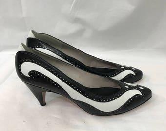 Vintage Evan Picone Black White Two Tone Spectator Wingtip Pumps Heels 7M