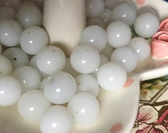 Vintage Alabaster beads, Miriam Haskell Glass Beads 15mm, Wedding Opal Beads, Shabby chic beads, Japan beads, Cherry Brand, opaque White B96