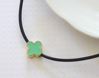 Green Flower Choker - Green Choker - Quatrefoil Choker - Celebrity Inspired - Modern Choker - Green Simple Choker - Four Leaf Flower