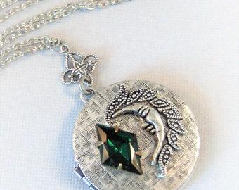 SALE Emerald Moon,Vintage Emerald,Moon Locket,Moon Necklace,Vintage,Green Necklace,Emerald Necklace,Green Locket,Emerald,Goddess Necklace,