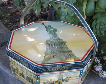 Vintage 1940's Statue of Liberty Tin Loose-Wiles Biscuit Company Octagon Shape with Handle 4th of July Decor
