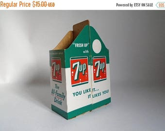 SALE - Vintage 1960's 7-up Double Slot Cardboard Carrying Carton