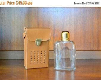 CIJ SALE 25% OFF vintage transistor radio hidden flask / vintage barware / entertaining / drinkware / whiskey