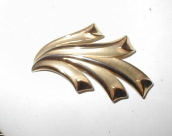 signed TRIFARI CROWN vintage Brooch Pin