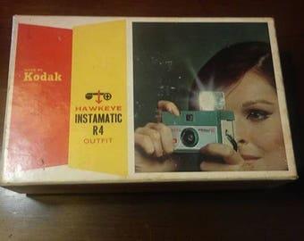 Vintage Kodak Hawkeye Instamatic R4 Camera in Box